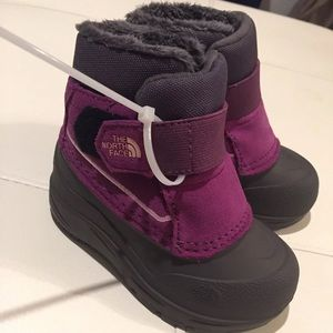5a0243075 The North Face Alpenglow Kid Boot Kids size 7 NWT